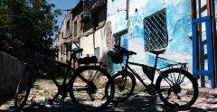 Develi çeşmeleri bisiklet turu sırasında, Oruza çeşmesinin önünde dinlenirken.